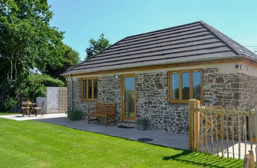 Last Minute Cottages - Beautiful Chulmleigh Cottage S105745