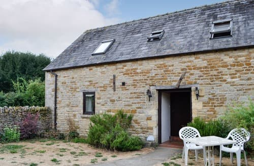 Dog Friendly Cottages - Captivating Stow On The Wold Cottage S113905