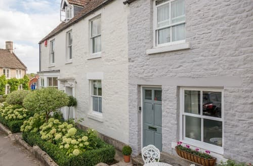 Last Minute Cottages - Inviting Chippenham Cottage S121818