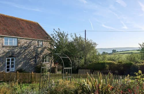 Last Minute Cottages - Wonderful Cheddar Cottage S122354
