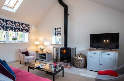 Dog Friendly Cottages - Charming West Meon Cottage S124987
