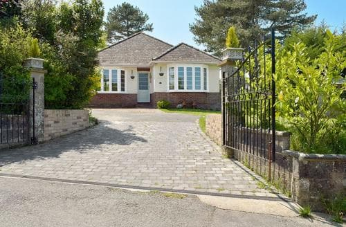 Last Minute Cottages - Exquisite Ryde And Seaview Cottage S58095