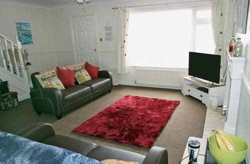 Last Minute Cottages - Tasteful Bridlington Cottage S60327