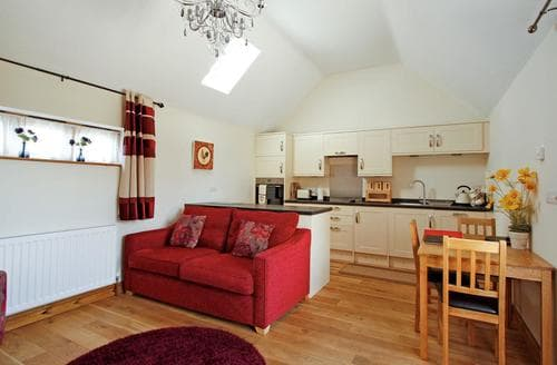 Last Minute Cottages - Luxury Louth Cottage S60259