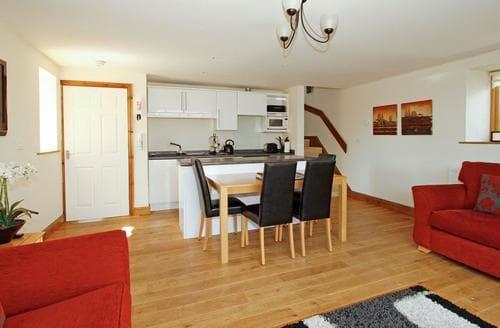 Last Minute Cottages - Quaint Louth Cottage S60256
