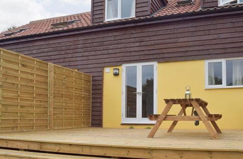 Last Minute Cottages - Luxury Stowmarket Cottage S60815