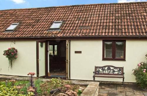 Last Minute Cottages - Captivating Swindon Cottage S3617