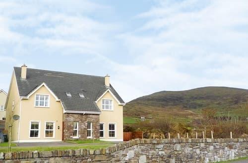 Big Cottages - Tasteful Dingle Cottage S24001