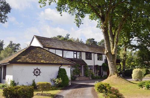 Big Cottages - Tasteful Southampton Cottage S14148