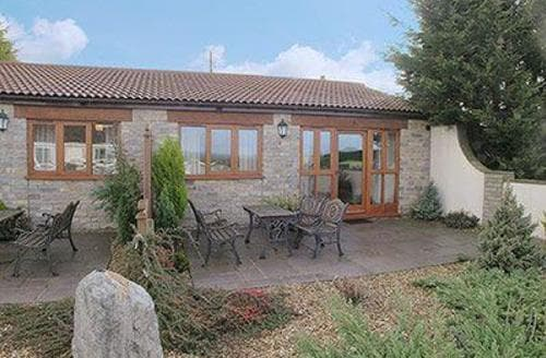Last Minute Cottages - Lovely Shepton Mallet Cottage S20221