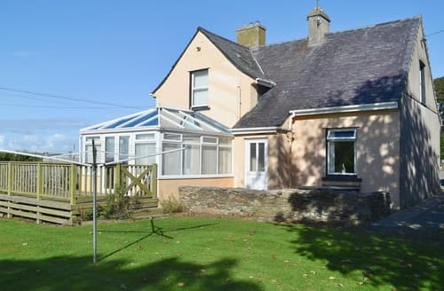 Big Cottages - Attractive Holyhead And Treaddur Bay Cottage S22066
