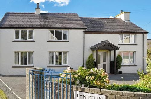 Big Cottages - Cosy Holyhead And Treaddur Bay Cottage S22074
