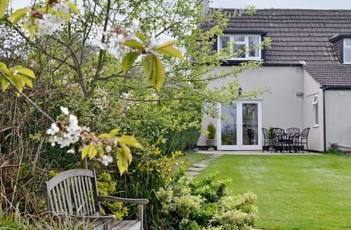 Last Minute Cottages - Tasteful Chippenham Cottage S13696