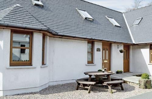 Big Cottages - Tasteful Fort William Cottage S22611