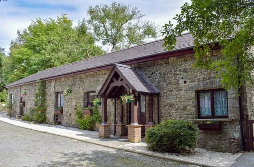 Last Minute Cottages - Synod Dairy