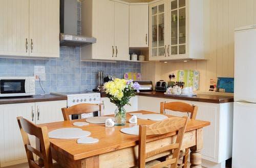 Last Minute Cottages - Gorgeous Bridlington Cottage S14831