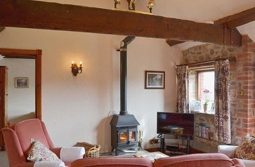 Last Minute Cottages - Tasteful Seaton Cottage S18817
