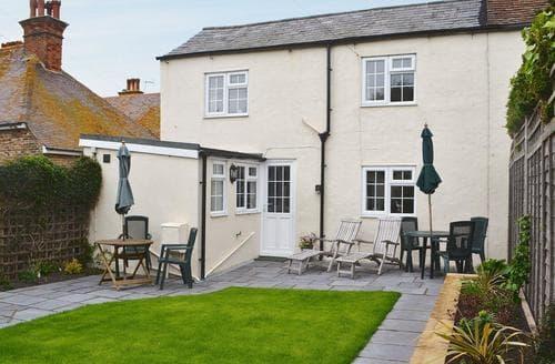 Last Minute Cottages - Quaint Brighton Cottage S26240