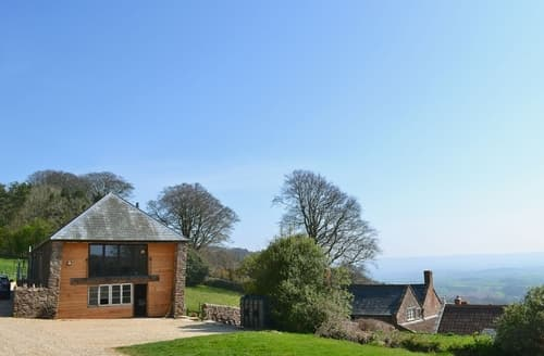 Last Minute Cottages - Superb Taunton And The Quantocks Apartment S26337