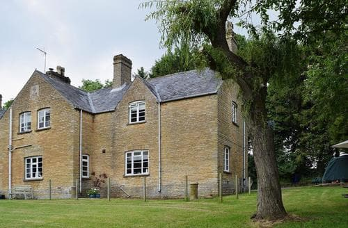 Last Minute Cottages - Gorgeous All Northamptonshire Cottage S37646