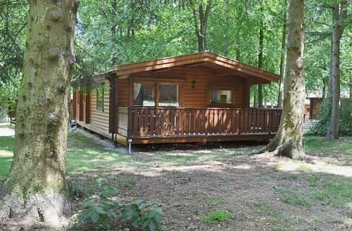 Last Minute Cottages - Quaint Louth Lodge S37643