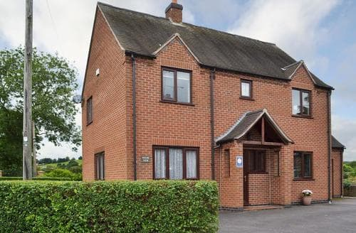Big Cottages - Exquisite Ashbourne Cottage S37372
