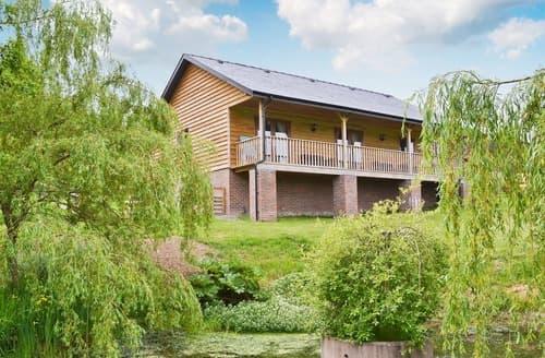 Last Minute Cottages - Cosy Presteigne Lodge S37416