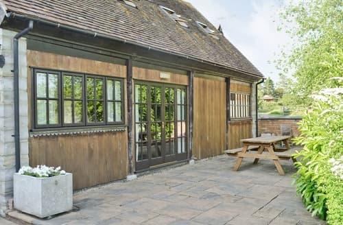 Last Minute Cottages - Luxury Alcester Cottage S37371