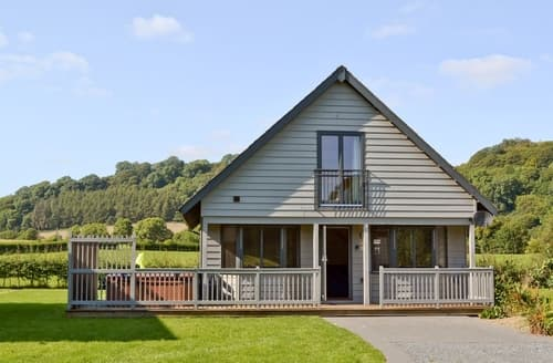 Big Cottages - Captivating Knighton Cottage S38037