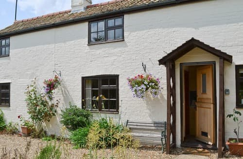 Last Minute Cottages - Adorable Ely Lodge S37539