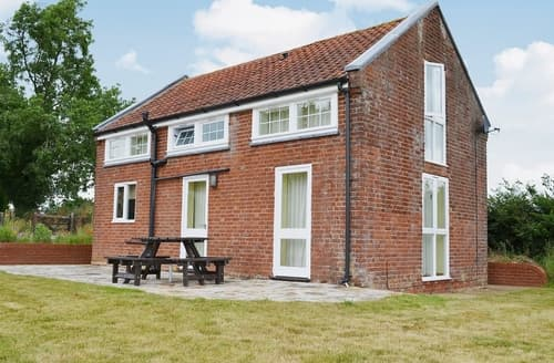 Last Minute Cottages - Attractive Ipswich Cottage S37649