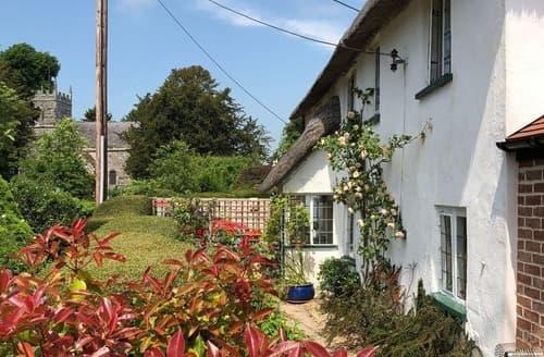 Last Minute Cottages - Cosy Blandford Forum Cottage S38656