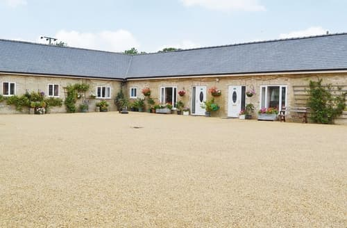 Last Minute Cottages - Lovely Cambridge Lodge S40378