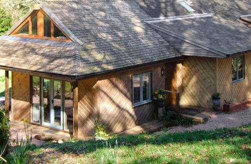 Last Minute Cottages - Quaint Exeter Lodge S42429