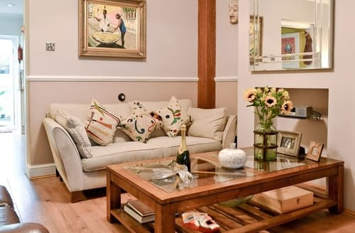 Dog Friendly Cottages - Luxury Maidstone Cottage S41311
