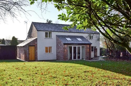 Last Minute Cottages - Cosy Chester Cottage S89128