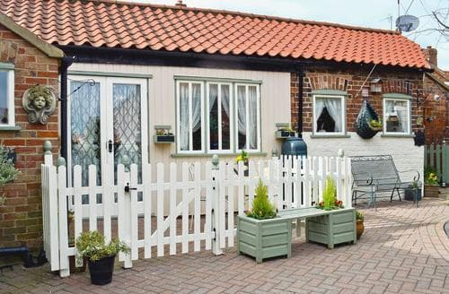 Last Minute Cottages - Gorgeous Skegness Lodge S45872