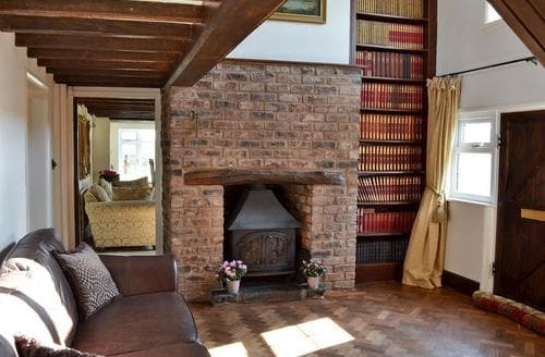 Last Minute Cottages - Delightful Chester Lodge S43658