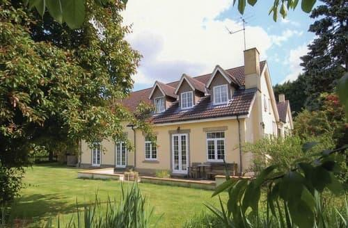 Big Cottages - Cosy Chippenham Cottage S44215