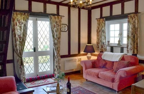 Dog Friendly Cottages - Lovely Rye Cottage S45063