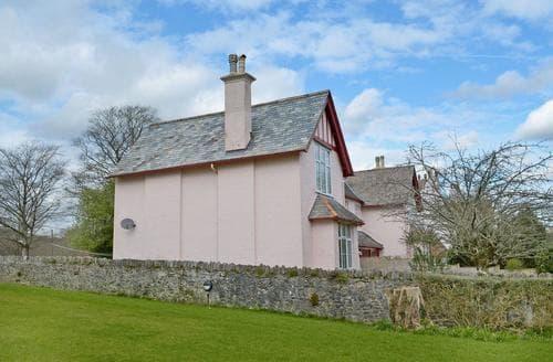 Last Minute Cottages - Splendid Buckfastleigh Apartment S45346