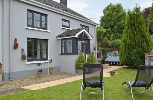 Dog Friendly Cottages - Gorgeous Llandeilo Cottage S21691