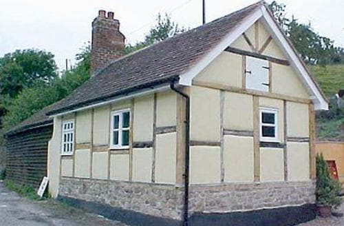 Last Minute Cottages - Attractive Gloucester Cottage S16231