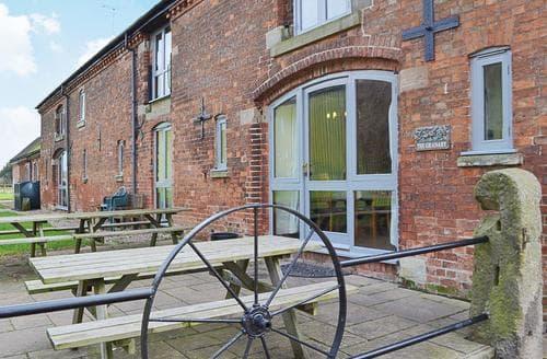 Big Cottages - Attractive Ashbourne Cottage S16434