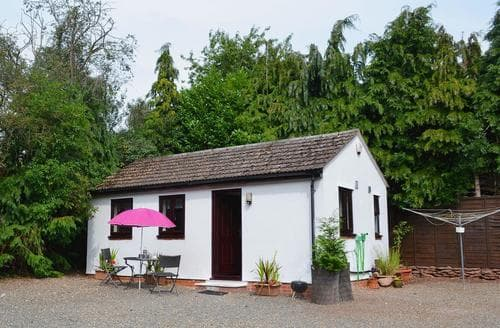 Last Minute Cottages - Beautiful Bridgnorth Cottage S16732