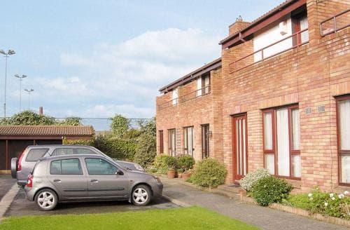 Last Minute Cottages - Lovely Ballsbridge Cottage S23939