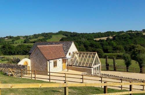 Last Minute Cottages - Goose Run Cottage, Corscombe