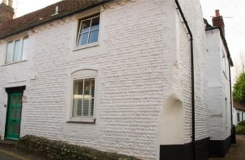 Last Minute Cottages - Wonderful Holt Cottage S128282