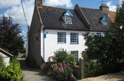 Last Minute Cottages - Attractive Wells Next The Sea Cottage S128285