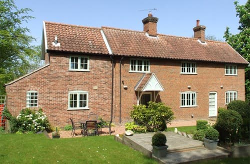 Last Minute Cottages - Inviting Melton Constable Cottage S128299